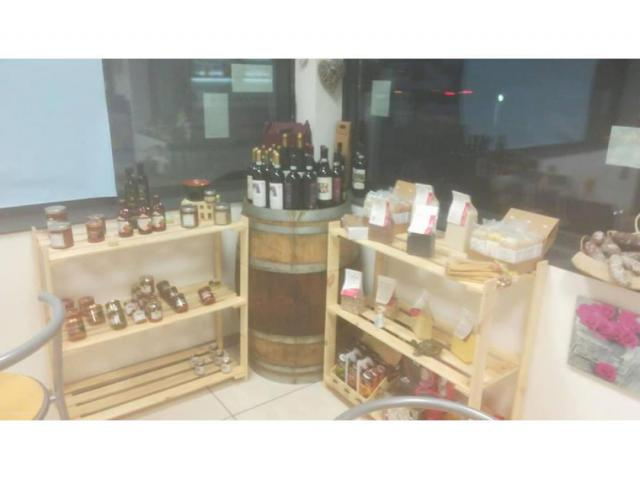 Stazione di Sevizio Bar distribuzione carburanti Repsol