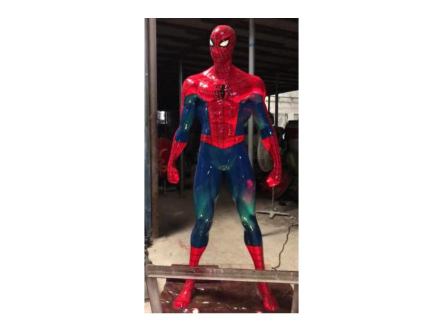 Spiderman statua