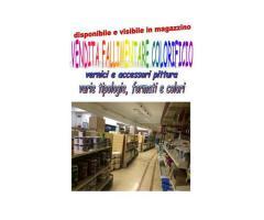Stock vernici e accessori per pittura