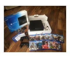 Sony Playstation 4 da 500 GB con 2 Controller E CONNESSIONE 11 giochi gratuiti